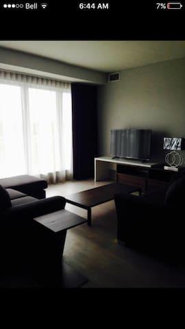 Room in Beautiful West Halifax - Halifax - Lejlighed