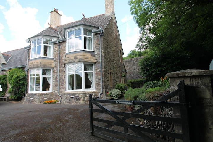Headmaster Cottage, Dulverton | Somerset Sleeps 4
