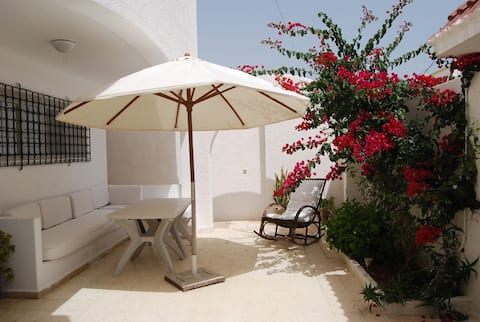 big villa, private pool (seaside)
