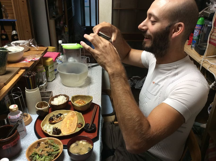 You can choose Japanese or western breakfast or dinner. Bread is homemade.