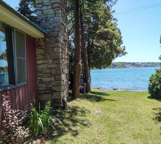 Private Tobermory Waterfront Cottage