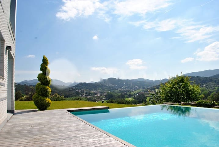 LUXURY & GOLF RETREAT: VALLROMANES VILLA - Vallromanes