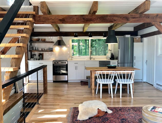 Rhinebeck Converted Barn in Private Setting