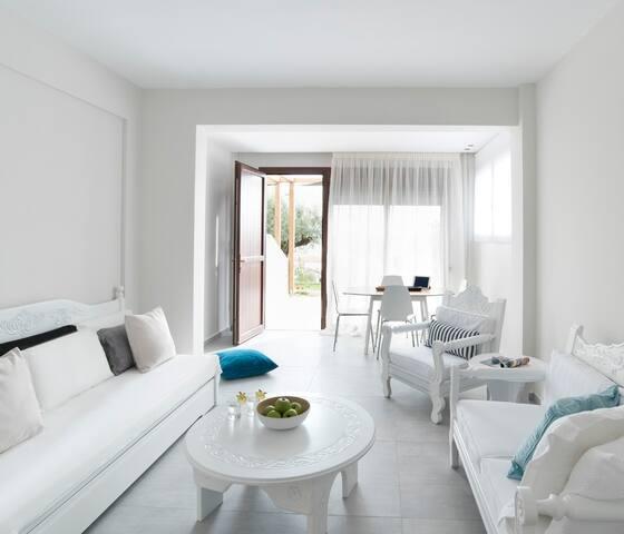 Bouganvillia - Sweet Orange - Psakoudia - House