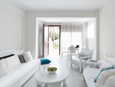 Bouganvillia Homes - Sweet Orange - Psakoudia