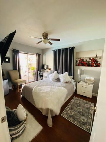 Hermosa habitación elegante y acogedora