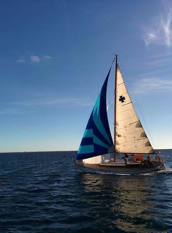 Naviguer sur un vieux greement, tout simplement - Formentera - Bateau