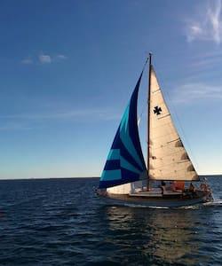 Naviguer sur un vieux greement, tout simplement - Formentera - Boat