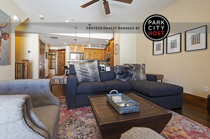 Newly furnished Park City Townhome - 3BD/3BA