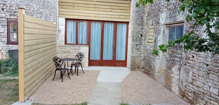 Blacksmiths Apartment in Blanzay - 1 bed