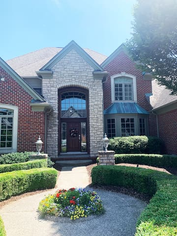 Beautiful executive home on Indianwood Golf Course
