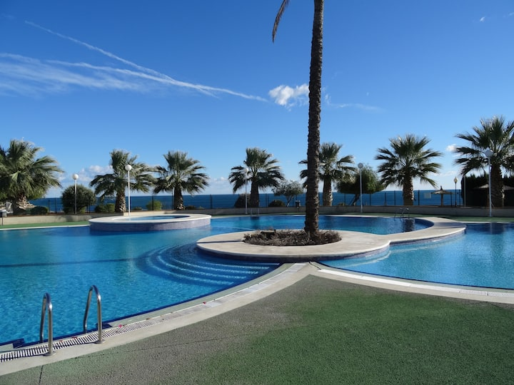 Cabo Roig FRONT LINE apartment with pleasant view