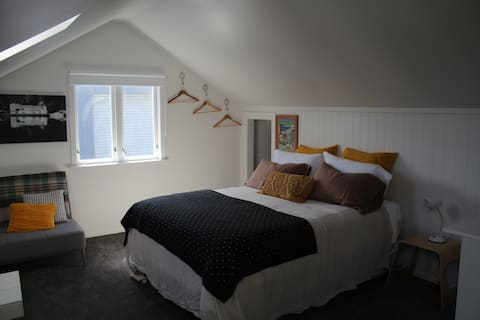 """The Loft"" apartament estudi central Petone"