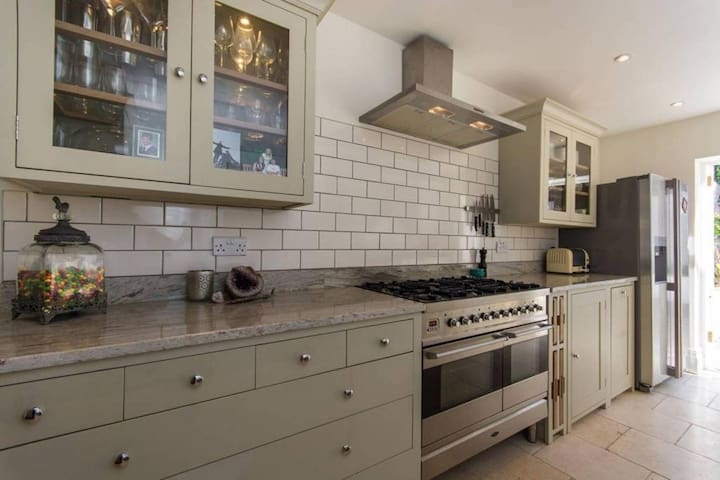 Stylish 3 bedroom house in East Dulwich
