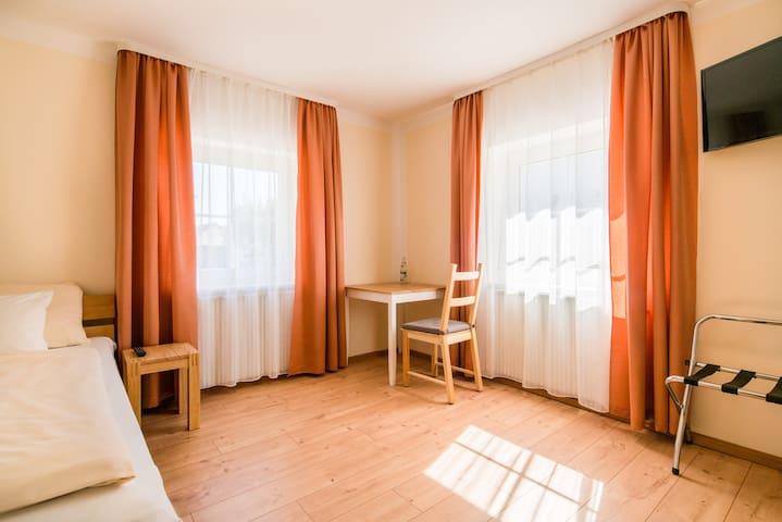 WG-Pension in Altdorf bei Landshut