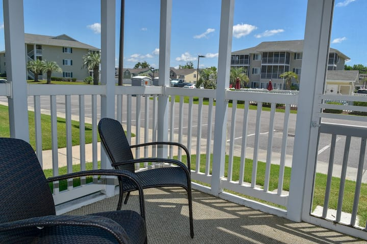 Relaxing Waterway Community with Pool View in North Myrtle Beach. 2 bedroom 2 bath condo on first floor end unit Sleeps 6 Screened porch with a pool view Outdoor pool jacuzzi No motorcycles or smoking