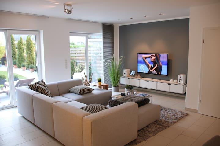Schickes Zimmer im Design Haus - Colonia - Bed & Breakfast