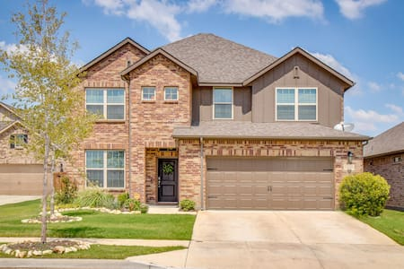 BEAUTIFUL NEW HOME IN NORTHWEST FORT WORTH!