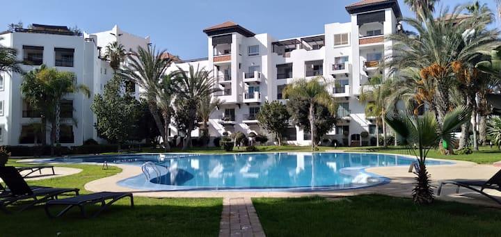 Marina appartement avec belle vue sur colline