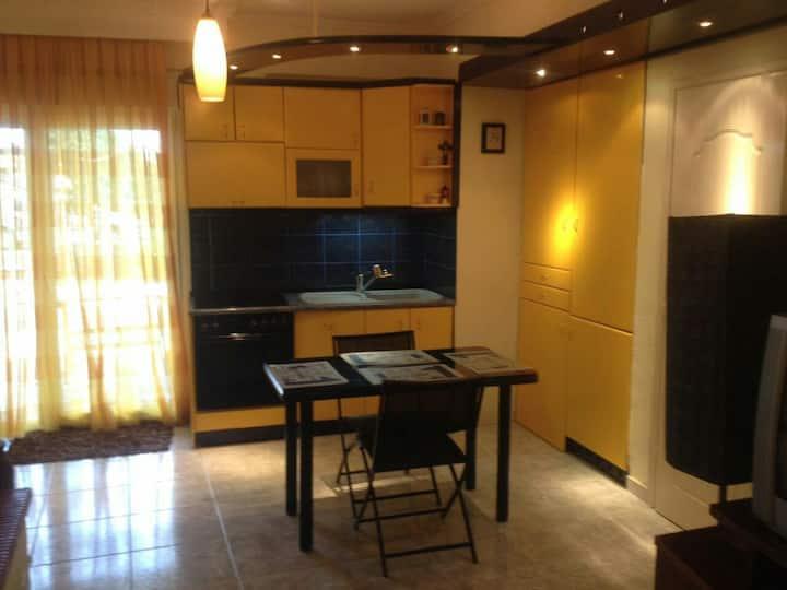 Avramidis Makis cozy house at the center