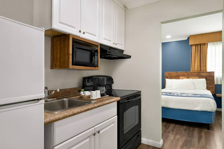 Cozy 2 Double Beds Studio w/ Kitchenette by SDSU