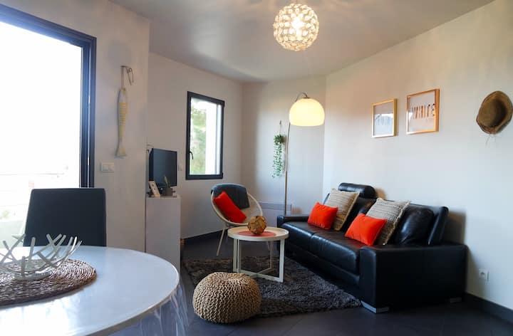 Cerbère, charmant T2 VUE MER - Terrasse/Wifi /clim