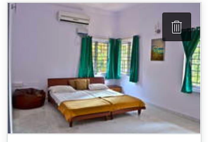 Luxury Rooms Prime location in Bangalore - Bangalore