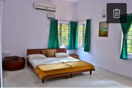 Luxury Rooms Prime location in Bangalore - Bengaluru