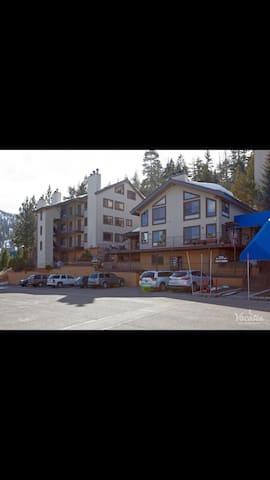 South Lake Tahoe, Tahoe Summit Village Two Bedroom