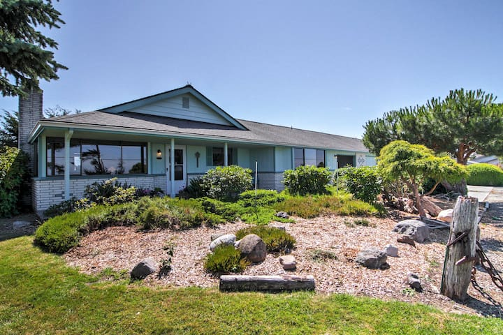 3BR Sequim Condo w/ View - Walk to Private Beach!