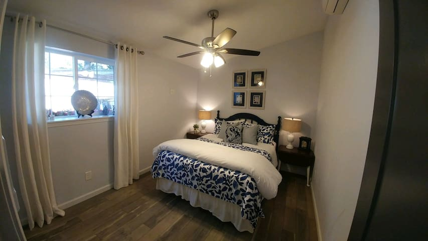 """""""The Blue Room"""" also has a queen bed with pillow top mattress."""