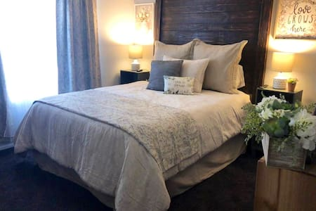 Extended stay at Downtown Charlie Brown's Place