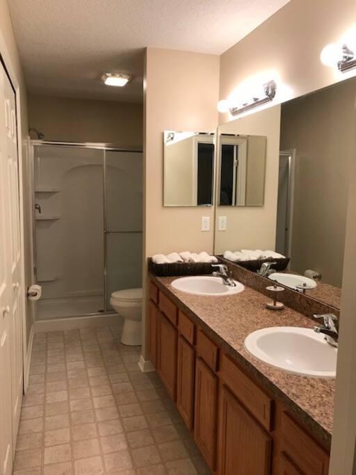 Master Suite Private Bath-1