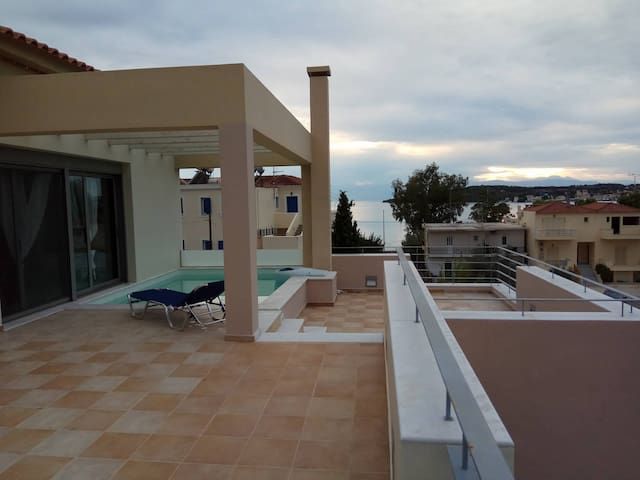 Luxurious Apartments Porto Heli