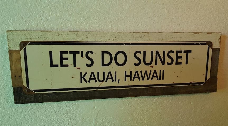 With one of the world's best beaches, activities, restaurants and a fun beachy surf theme, the Dunson  Kauai vacation condo has it all