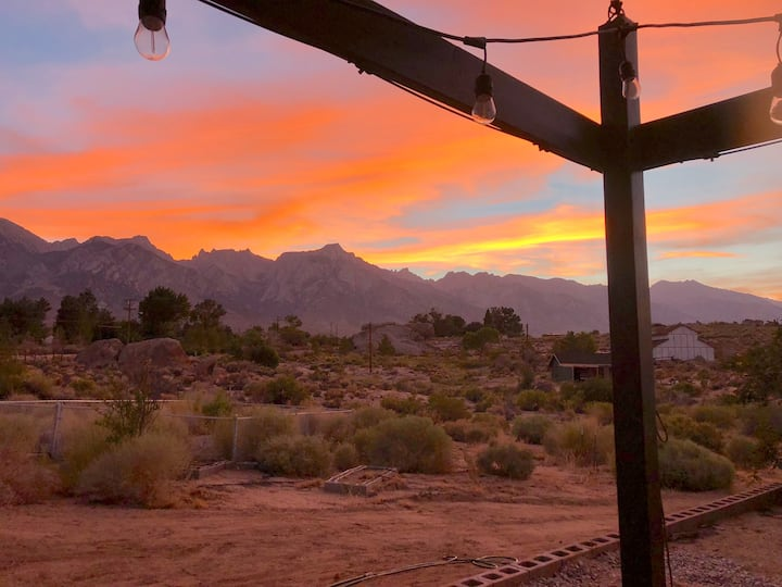 >>MAGICAL property on 5 acres in the Alabama Hills