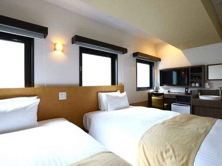 3min->JR Ueno Sta/Twin+extra bed/Breakfast