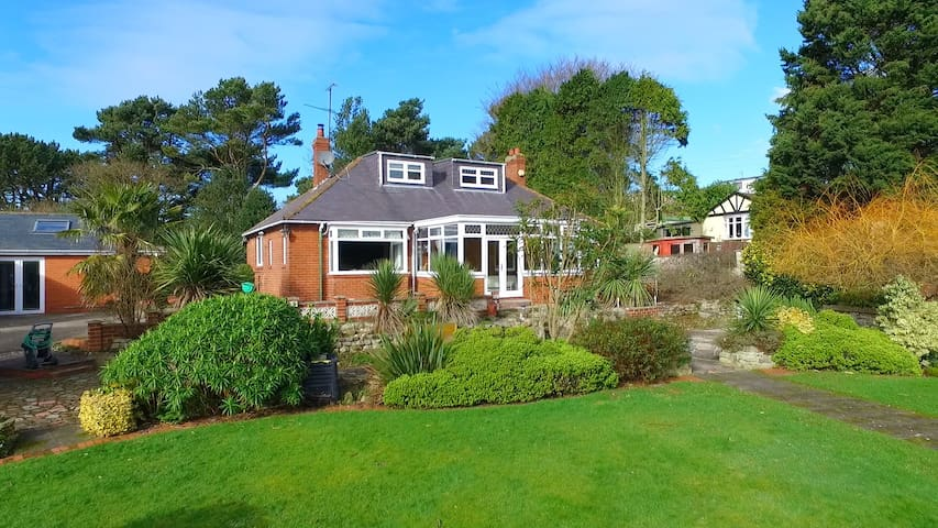 Entire Private Family Home By The Sea - Osgodby