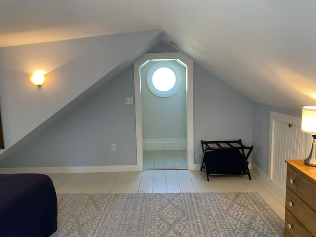 Entryway into upstairs bedroom