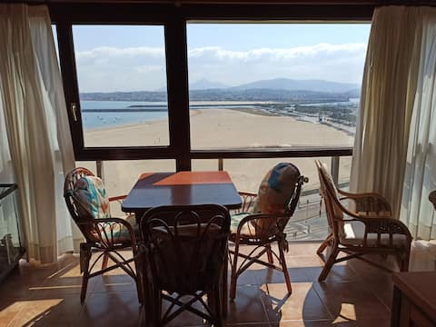 Bonito apartamento frente al mar. Hondarribi.