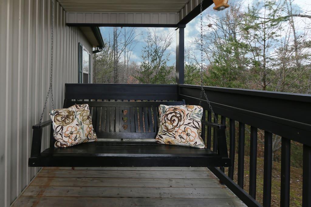 Deck,Porch,Balcony,Railing,Furniture