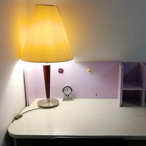 Single cozy room with wifi in villa near Villaggio