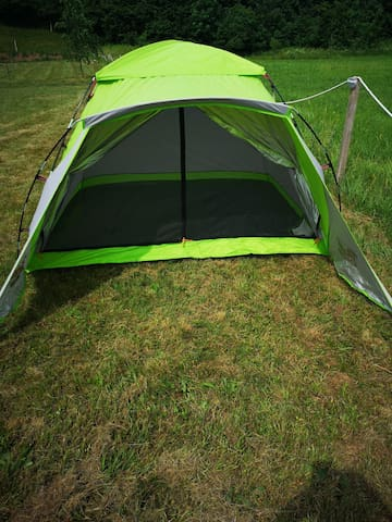 Green small tent 1