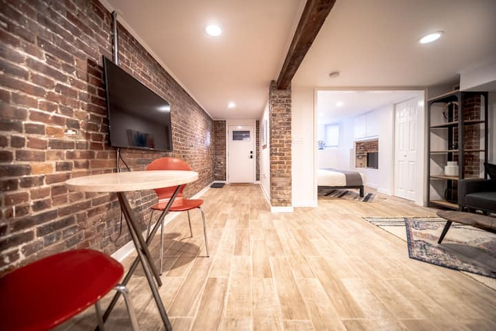 Brand New, Spacious Mid-Century Exposed Brick Apt