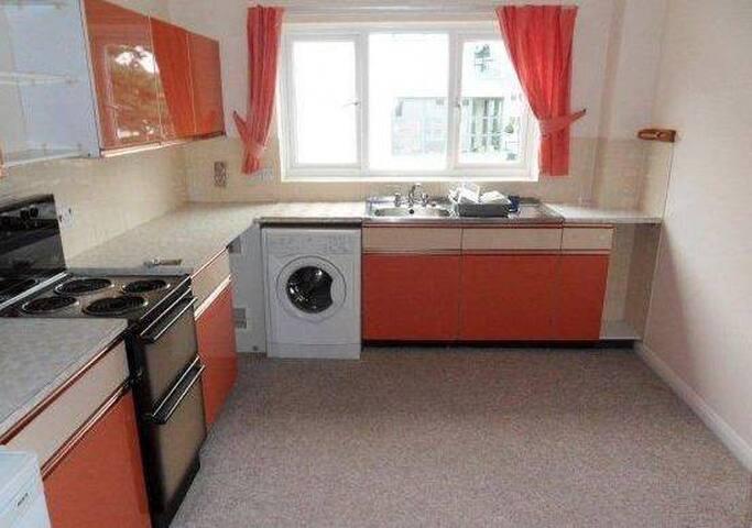 2 bed flat in Sandbanks - Poole - Apartmen