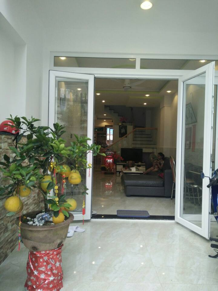 House have 3 bedrooms, fresh air, clean and secure