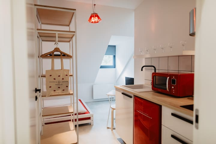 Compact studio(campari)with street food garden