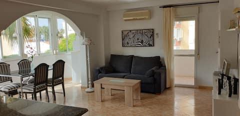 Amplio apartamento en Segunda línea de playa