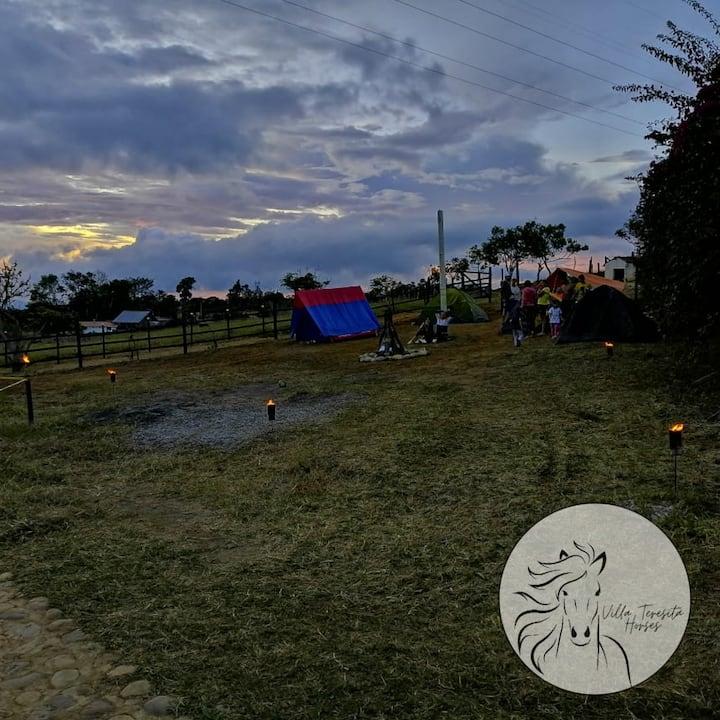 CAMPING EN LA MESA DE LOS SANTOS