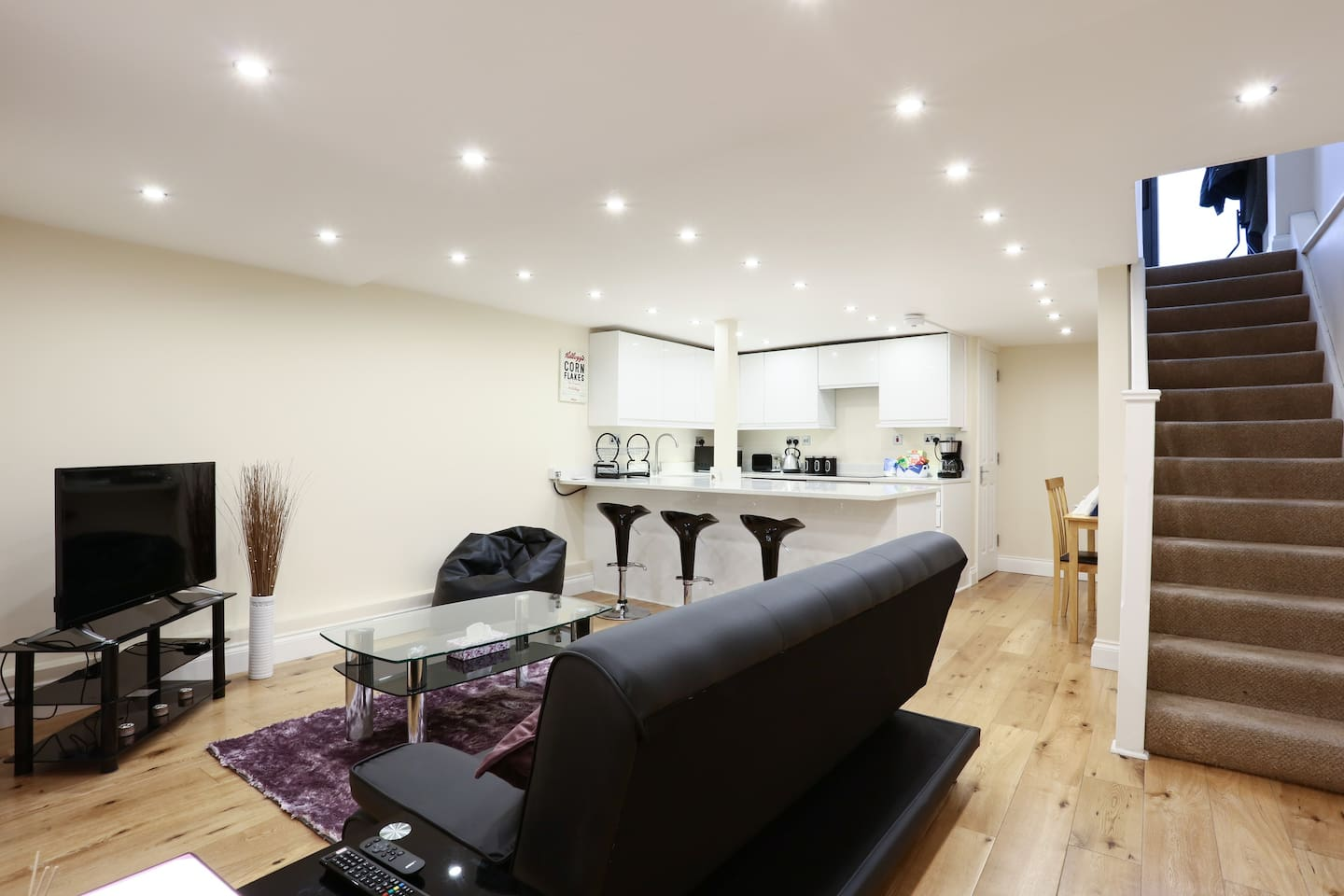 Sweet 2-bed Camden apartment with courtyard - Serviced apartments ...